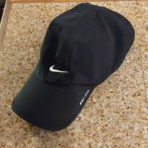 Nike Aerobill Black Featherlight Dri-Fit  Cap